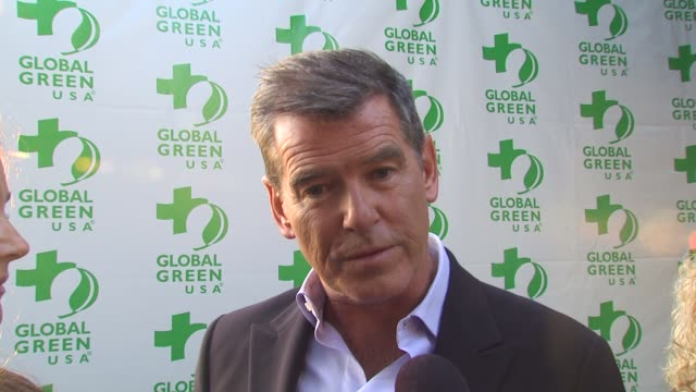 global green usa 14th annual millennium awards los angeles ca united states 6/12/10 - keely shaye smith and pierce brosnan stock videos & royalty-free footage