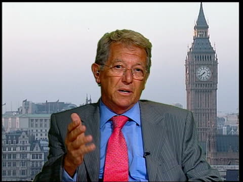 vidéos et rushes de possible cause of recent hurricanes; england: london: gir: int professor sir david king 2-way interview ex-westminster sot - we've known since 1987... - température