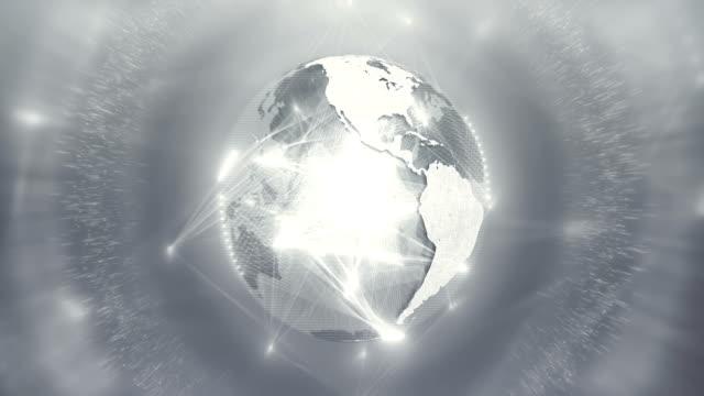 globus erscheint mit beweglichen anschlussleitungen (silber / grau / weiß, zentriert) - silberfarbig stock-videos und b-roll-filmmaterial