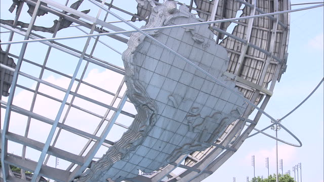cu globe in flushing meadows corona park showing usa / queens, new york, usa - flushing meadows corona park stock videos and b-roll footage