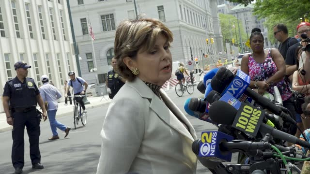 gloria allred, the high-profile american women's rights lawyer, speaks to reporters after r. kelly's brooklyn federal court's second hearing. gloria... - r. kelly stock videos & royalty-free footage