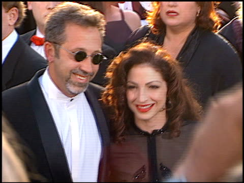 gloria estefan at the 1996 academy awards arrivals at the shrine auditorium in los angeles, california on march 25, 1996. - 第68回アカデミー賞点の映像素材/bロール