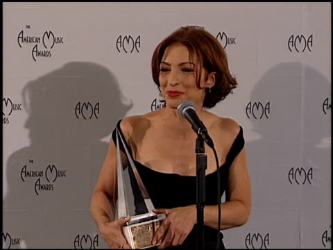 Gloria Estefan at the American Music Awards 2000 at the Shrine Auditorium in Los Angeles California on January 17 2000