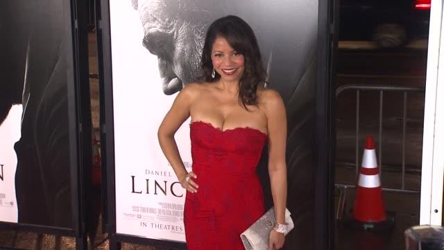 gloria reuben at afi fest 2012 closing night gala world premiere of lincoln on 11/8/2012 in hollywood ca - 映画 リンカーン点の映像素材/bロール