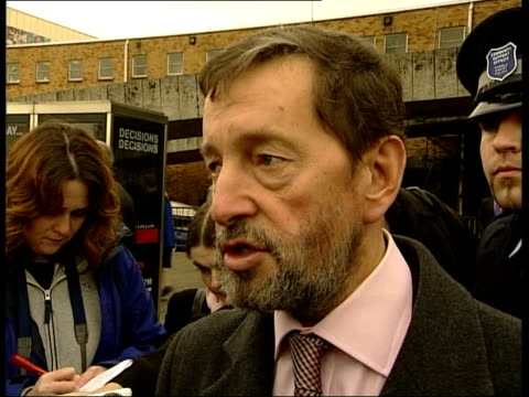 vídeos de stock, filmes e b-roll de suspect details wales home secretary david blunkett mp meeting police officer pull out cms david blunkett mp speaking to press sot talks of concerns... - gloucester estados unidos