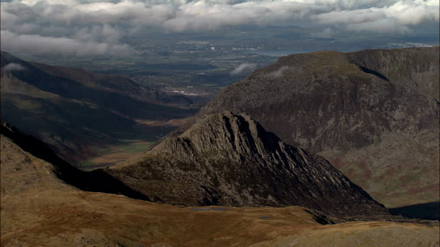 glyder fach and tryfan  - aerial view - wales, county borough of conwy, united kingdom - snowdonia stock videos & royalty-free footage