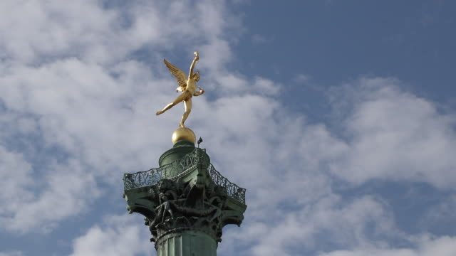 génie de la liberté. the spirit of freedom - bastille paris stock videos & royalty-free footage