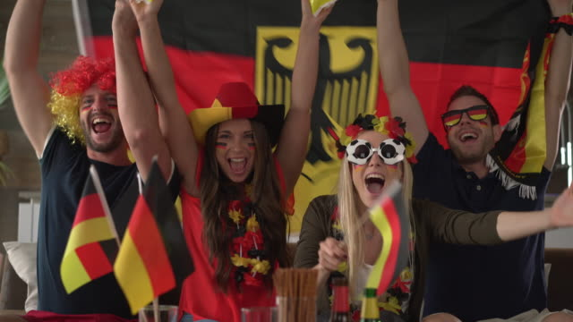 goal for germany - anhänger stock-videos und b-roll-filmmaterial