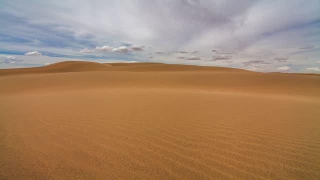 gobi desert at sunset - 砂漠点の映像素材/bロール