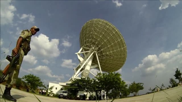 afptv goes behind the scenes at india's space command centre as it tracks the country's mars orbiter mission clean behind the scenes at india's mars... - weltraum mission stock-videos und b-roll-filmmaterial