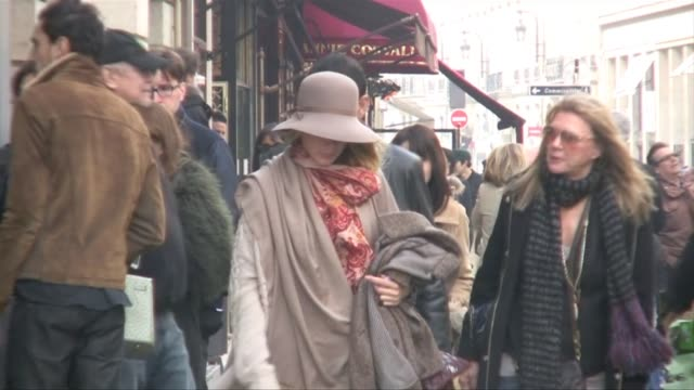 goes shopping in paris gossip girl blake lively on march 05 2011 in paris france - swish pan stock videos & royalty-free footage