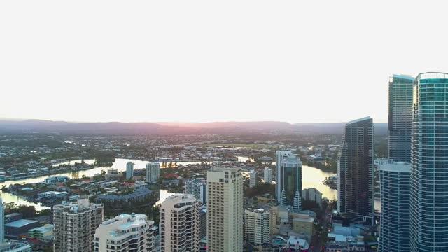 gold coast city glow - 文化点の映像素材/bロール