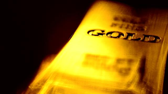 gold ingots - barren geld und finanzen stock-videos und b-roll-filmmaterial