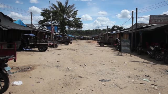 ws gold mining village the region of madre de dios in southeastern peru has been devastated by illegal gold mining it has a catastrophic effect on... - resourceful stock videos & royalty-free footage