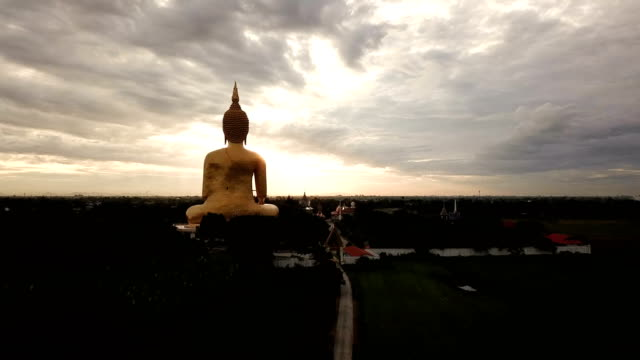 golden buddha statue - theravada stock videos & royalty-free footage