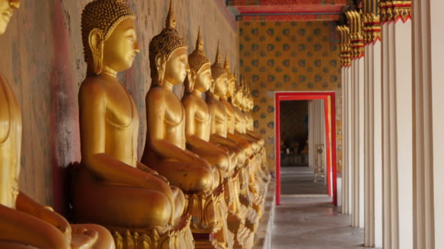 Golden Buddhas at Riverside Temple of Wat Arun (Temple of Dawn), Bangkok, Thailand, Southeast Asia, Asia