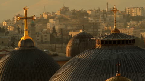 stockvideo's en b-roll-footage met golden crosses with the west bank behind - israël