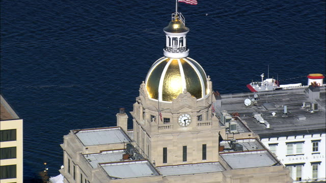 golden dome of savannah city hall - aerial view - georgia,  chatham county,  united states - dome stock videos & royalty-free footage