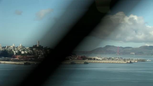 vídeos y material grabado en eventos de stock de golden gate bridge, de un coche - puente golden gate