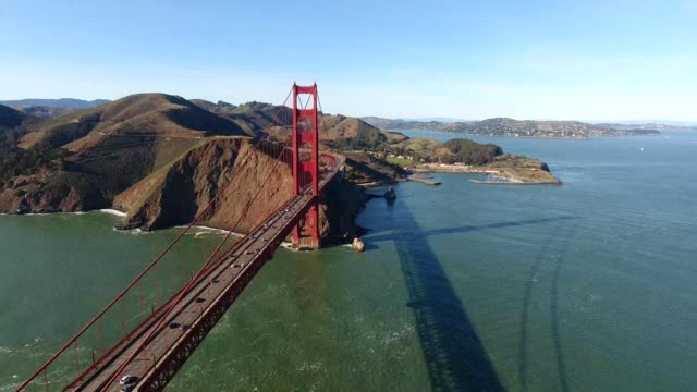 golden gate bridge in san francisco california - san francisco california video stock e b–roll
