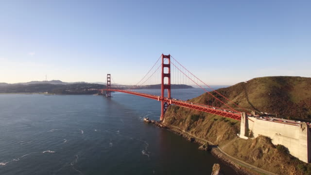 vídeos de stock, filmes e b-roll de golden gate bridge left to right aerial, 4k, 38s, 2of10, stock video sale - drone - golden gate bridge