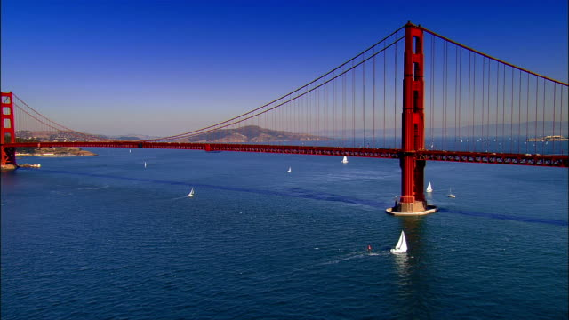 vidéos et rushes de aerial, golden gate bridge, san francisco, california, usa - san francisco california