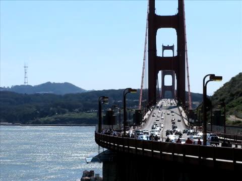 golden gate bridge (pal - besichtigung stock-videos und b-roll-filmmaterial