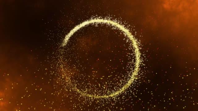 4k gyllene glittercirkel med gnistrande ljus. shining gnistrar skapa en central cirkel med alfa som kan användas som en fin abstrakt bakgrund. - paranormal bildbanksvideor och videomaterial från bakom kulisserna