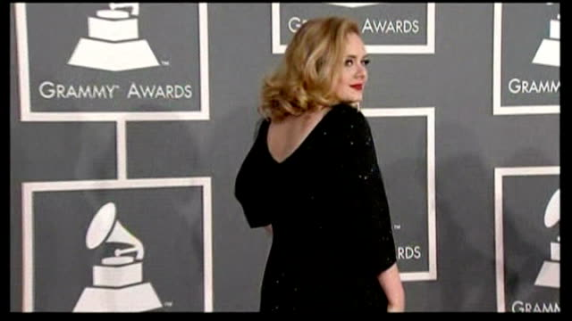 Success for British stars LIB Los Angeles PHOTOGRAPHY ** Adele posing on red carpet at 2012 Grammy Awards