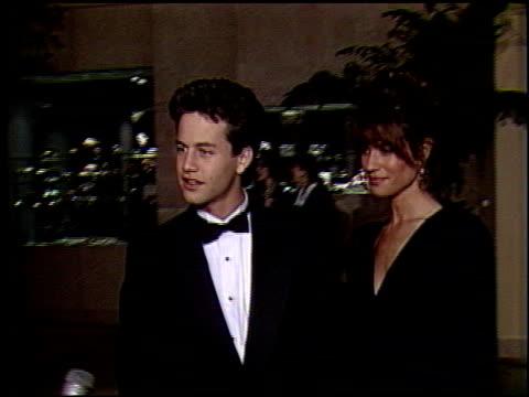 stockvideo's en b-roll-footage met golden globes awards 1991 at the 1991 golden globe awards at the beverly hilton in beverly hills california on january 19 1991 - 1991