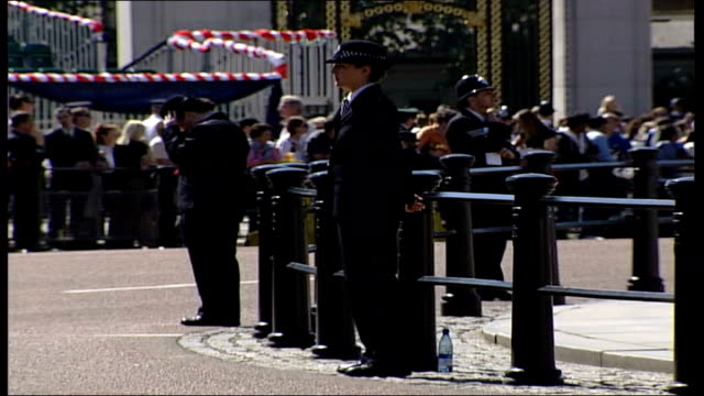 buckingham palace preparations england london buckingham palace soldiers rehearsing for trooping of the colour parade outside buckingham palace... - military uniform stock videos & royalty-free footage