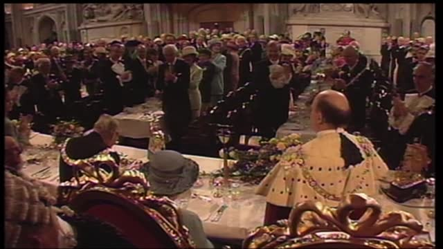 international clean feed: 12.15 - 13.45: 16:9; england: london: guildhall: int queen elizabeth ii speech sot part 2 of 2. - your hospitality at this... - 12 13 years stock videos & royalty-free footage