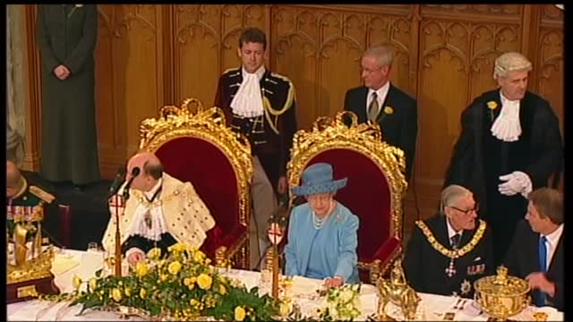 international clean feed: 12.15 - 13.45: 16:9; england: london: guildhall: int prince philip, duke of edinburgh chatting with tony blair mp and... - pull out camera movement stock videos & royalty-free footage