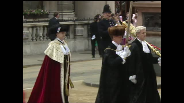 millions fill mall to pay tribute to queen at colourful pageant commemorating her reign; buckingham palace and strand, london, uk; various shots of... - uniform stock videos & royalty-free footage