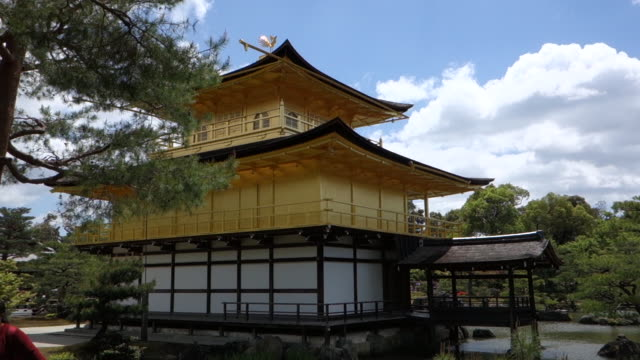 golden pavilion, kyoto, japan - kyoto temple stock videos and b-roll footage