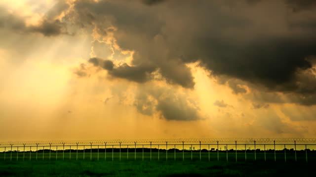 stockvideo's en b-roll-footage met golden sky - atmosphere filter