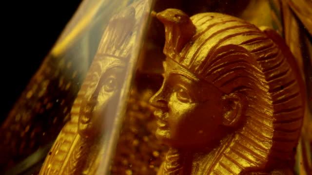 golden statue of an egyptian pharaoh - pharaoh stock videos & royalty-free footage