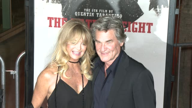 """goldie hawn and kurt russell at """"the hateful eight"""" world premiere at arclight cinemas on december 07, 2015 in hollywood, california. - arclight cinemas hollywood stock-videos und b-roll-filmmaterial"""