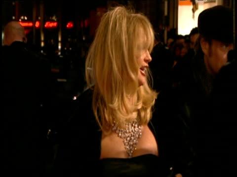 goldie hawn arrives at british academy of film and television arts awards london; 8 february 2009 - 黒のドレス点の映像素材/bロール