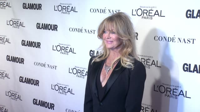 goldie hawn at glamour magazine's 25th annual women of the year awards at carnegie hall on november 09, 2015 in new york city. - goldie hawn stock-videos und b-roll-filmmaterial