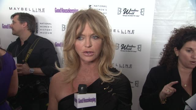 goldie hawn talks about what brought her out tonight and why the first national women's history museum in washington dc is so important at the good... - goldie hawn stock-videos und b-roll-filmmaterial