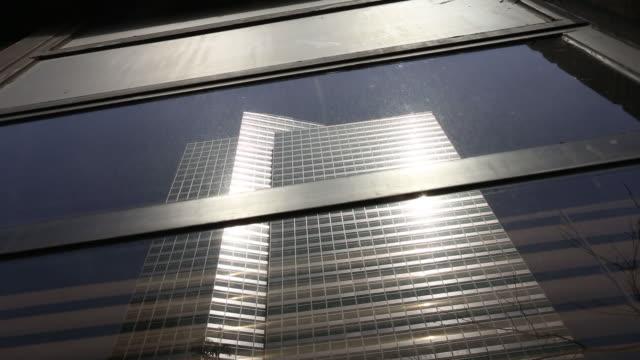 vídeos y material grabado en eventos de stock de goldman sachs headquarters in lower manhattan, new york city, ny, u.s. on friday, june 8, 2018. - señal de nombre de calle