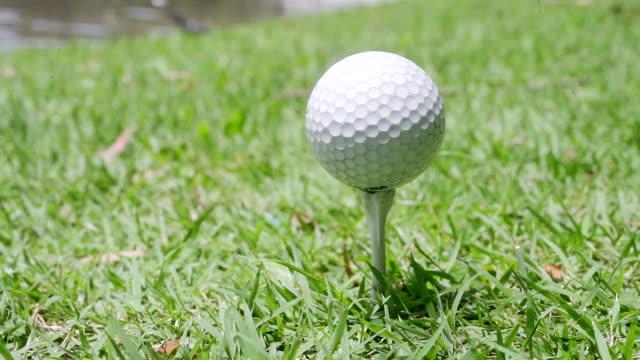 ゴルフボール - ショットを決める点の映像素材/bロール