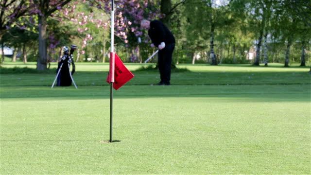 vídeos y material grabado en eventos de stock de tiro de golf - deporte profesional