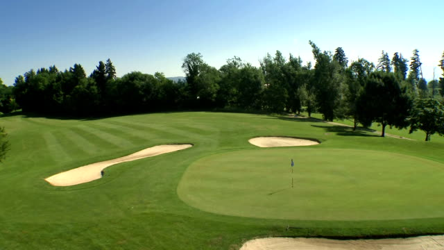 aerial golf course - golf course stock videos & royalty-free footage