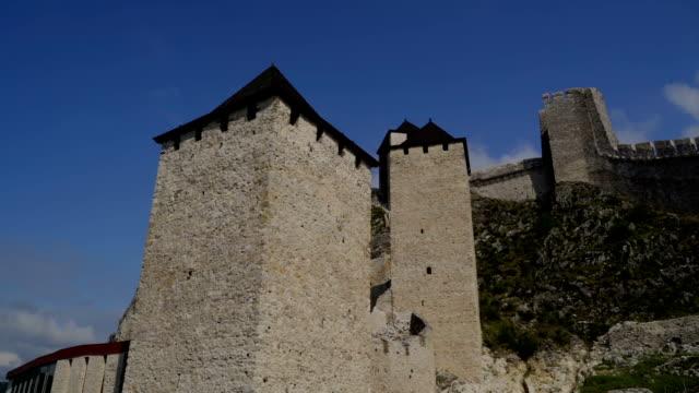ゴルバックはドナウ川の中世の要塞都市でした。 - 騎士点の映像素材/bロール