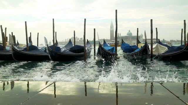 gondola service boat traditional - venice italy stock videos & royalty-free footage