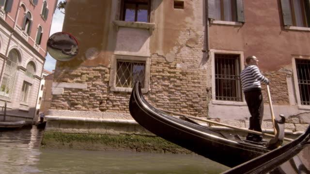 Gondola stopping in slow motion