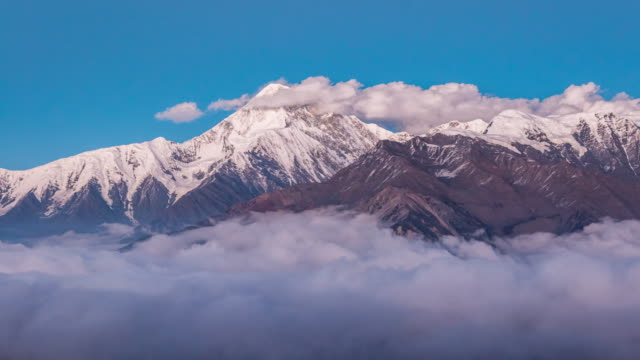 t/l gongga snow-capped mountain, sichuan province, china - mountain range stock videos & royalty-free footage