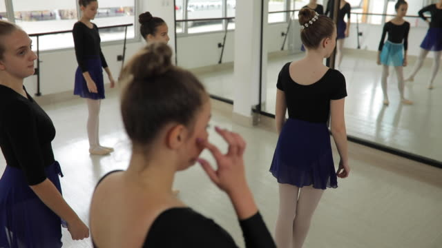 good atmosphere at ballet class - ballet studio stock videos & royalty-free footage